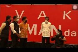 Presiden Jokowi Tinjau Vaksinasi Massal Masyarakat di Kota Bogor
